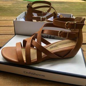Croft & Barrow Mini Wedge Brown Strappy Sandals 10